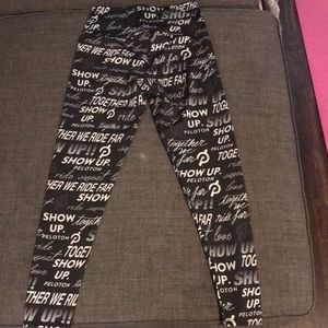 Peloton Onzie Show Up Leggings Small NWOT